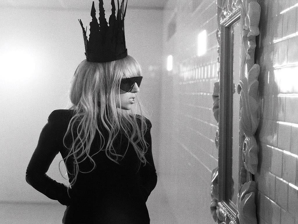 Picasso Baby και Lady Gaga σώζουν τη Νέα Υόρκη