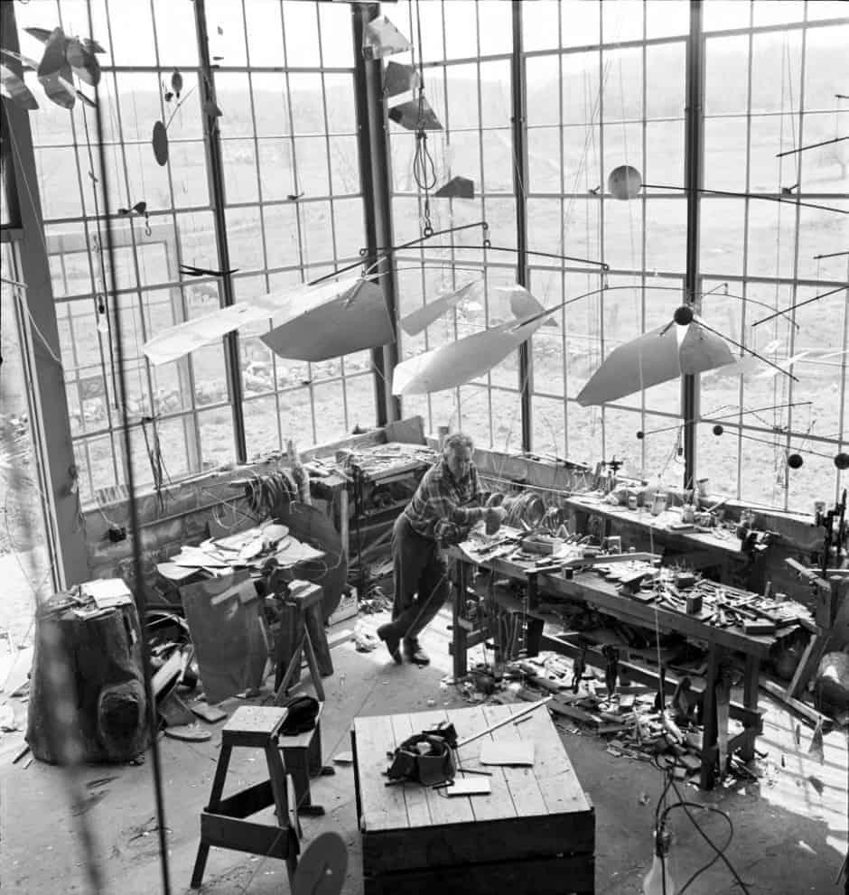 Alexander Calder: Performing Sculpture