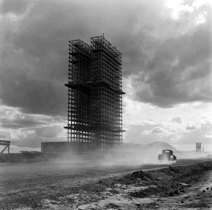 Palácio do Congresso Nacional. Brasília, 1958. Foto: Marcel Gautherot/IMS